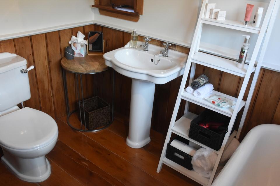 bathroom  boutique accommodation wairarapa